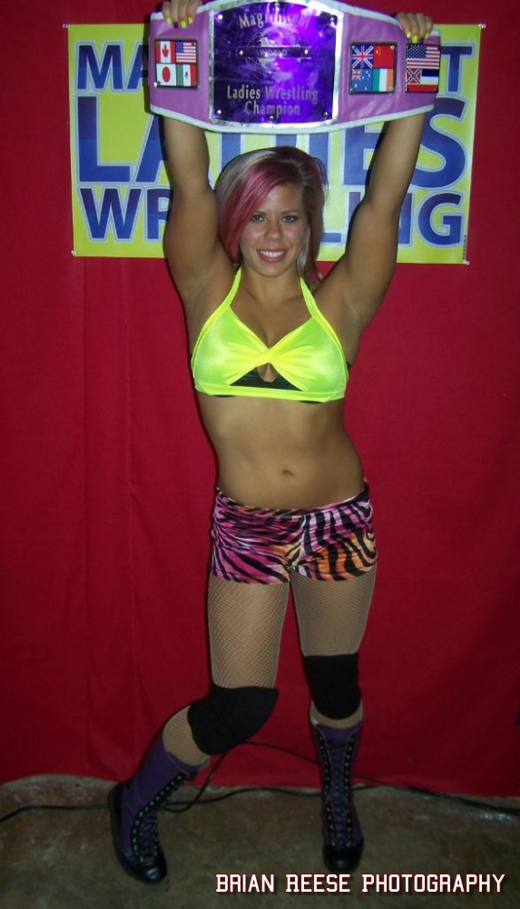 Magnificent ladies wrestling pictures and movies 3